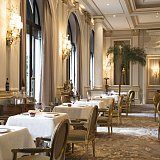 Три ресторана отеля Four Seasons Hotel George V, Paris отмечены звездами Michelin